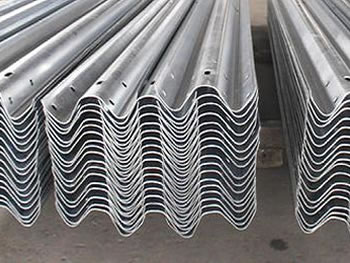 Hot Dipped Galvanized Guardrails In W Beam And Thrie Beam